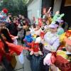 중국 '춘절' 요란법석 폭죽으로 시작