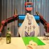 """""""세상에 이런 로봇이?""""···술동무·폭탄주제조 로봇, '로봇파티'서 국내 첫선"""