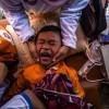 태어나자마자 '할례'받는 인도네시아 아이들···WHO·UN 권고에도 여전