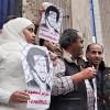 """""""내 남편 석방해라"""" 이집트 기자 부인이 '웨딩드레스' 입고 시위 나선 사연"""
