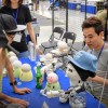 '행복물건 개발자' 박은찬씨가 폭탄주 마시는 로봇 만드는 까닭