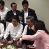 [아시아라운드업 7/10] 아베 총리 '술판'···日폭우 사망자 130명 육박