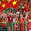 """""""박항서 매직은 계속될 것""""···'베트남 붉은악마' 거리 뒤덮어"""