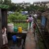 """미얀마 빈민가 풍경 """"학교 가는 언니가 부러워요"""""""