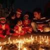 성탄 축하하는 인도 가족