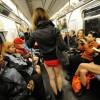 뉴욕서 '바지 안 입고 전철타기' 행사