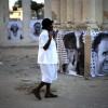 아이티 지진참사 2주기, 희생자 추모하는 여성