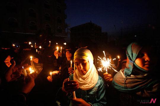 살레 대통령 퇴진 요구 시위 중인 예멘의 소녀들