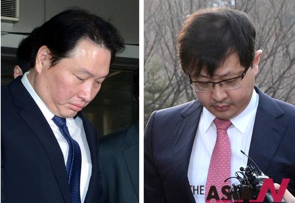 SK계열사 자금 수백억 원을 빼돌린 혐의로 기소된 최태원 SK그룹 회장(왼쪽)이 징역 4년을 선고받고 법정 구속됐다. 한편 무죄를 선고 받은 동생 최재원 부회장(오른쪽)이 고개 숙이고 있다.