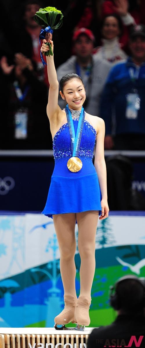 피겨여왕 김연아가  캐나다 밴쿠버 퍼시픽 콜리시움에서 열린 2010 밴쿠버 동계올림픽 여자 피겨스케이팅 프리스케이팅 경기에서 150.06점을 획득, 총점 228.56점으로 세계신기록을 수립하며 금메달을 따냈다.