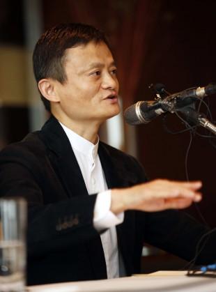 마윈(馬雲) 알리바바 그룹 회장이 19일 오후 서울 중구 하얏트 호텔에서 기자간담회를 하고 있다.