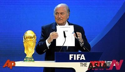 국제축구연맹(FIFA)은 20일(한국시간) 스위스 취리히에 위치한 FIFA 본부에서 집행위원회를 열고 2022년 카타르월드컵 결승전 날짜를 12월18일로 정했다. 사진은 지난 2010년 카타르가 2022년 월드컵 개최지로 선정됐음을 알리고 있는 제프 블래터 FIFA 회장의 모습.