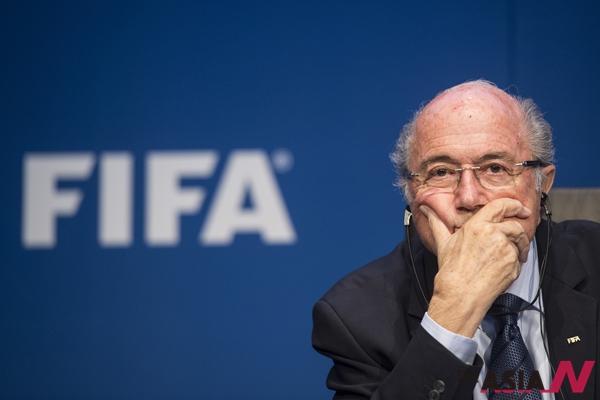 5선에 성공항 국제축구연맹(FIFA)의 제프 블래터 회장이 5월30일 스위스 취리히에서 기자회견에 참석하고 있다.
