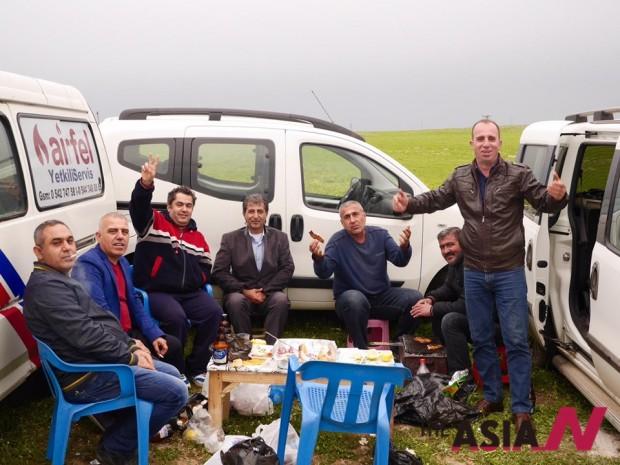 쿠르드 친구들이 필자를 자신들의 피크닉에 초대했다.