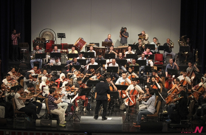 지난 8월 테헤란에서 중국 필하모닉 오케스트라가 리허설을 하고 있는 장면