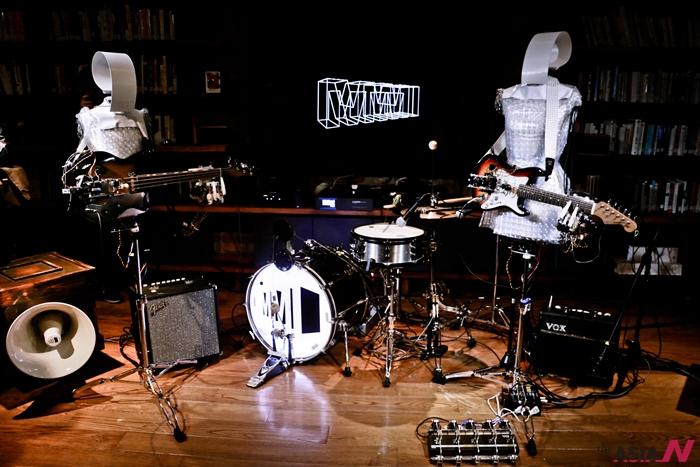 16일 아트센터 나비 '로봇파티'프로젝트에서 (주)타스코가 선보인 로봇밴드의 모습.