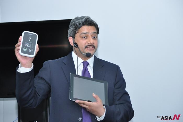 작년 4월 인도에서 심장질환자 모니터링을 위한 핸드폰을 출시해 선보이고 있다.