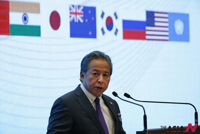 아니파 아만 말레이시아 외무장관이 지난 11월18일 쿠알라룸푸르에서 열린 '아세안정상회담'에서 발언하고 있는 모습