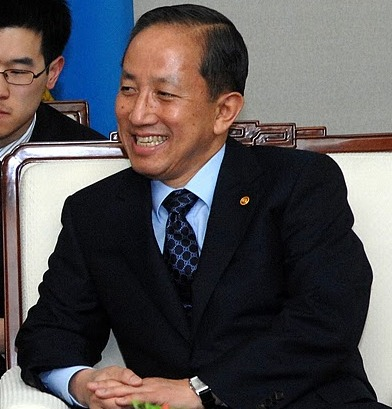 South_Korea_Minister_of_National_Defense_Kim_Tae-young