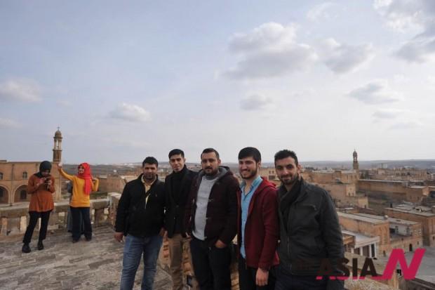 자나와 난민이 되어버린 그의 지즈레 친구들. 이들의 신상을 밝히기 어려운 점은 이해주길 바란다.