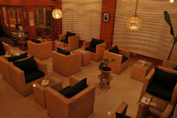 부탄 수도 팀부에 위치한 엠비언트 카페의 내부 모습