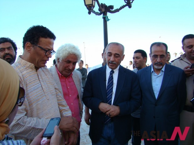 The Forum was held under the patronage of Dr. Osama Hamdy, Kafr El-Sheikh Governor, organized by Artist Abdel-Wahhab Abdel-Mohsen Foundation for Culture, Arts and Development ad attended by painting icons from Egypt, including Dr. Ahmad Abdel-Karim.