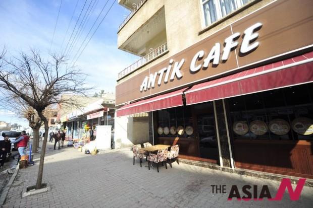 미드얏에 있는 기독교인들의 카페. 유럽인과 한국인들이 선교하러 온다고 한다.