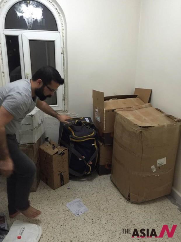 하키의 집에 속속들이 도착하는 지즈레 시민들을 위한 후원물품들
