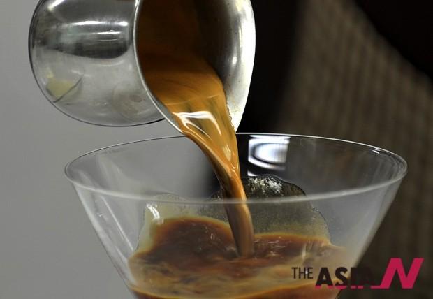 카페인은 커피에서 발견된 화학성분이지만, 일상에서 쉽게 접하는 음료에도 적잖게 들어 있다.