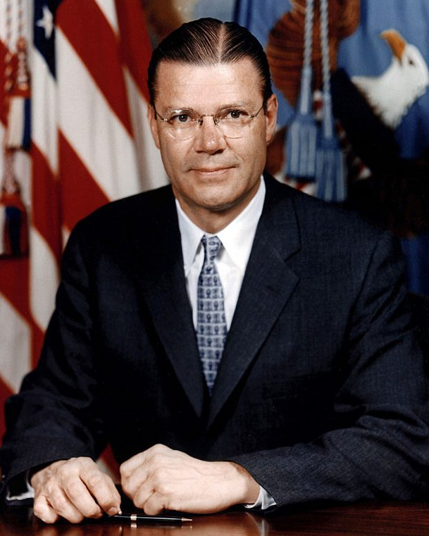robert_mcnamara_official_portrait