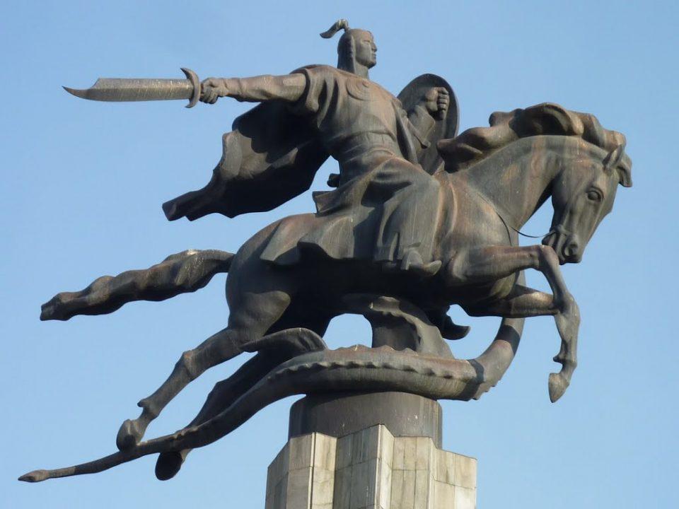 manas-statue