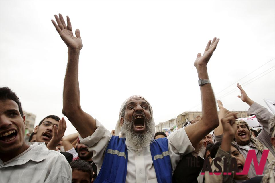 하디 대통령 결정 지지하는 예멘 시민들